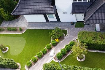 Konstgräs trädgård